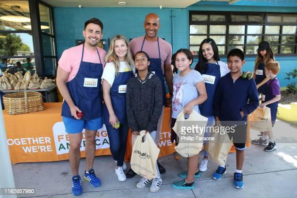 Jonathan Bennet Ali Larter Boris Kodjoe and Emily Tosta and guests attend the Celebrity Friends Of Feeding America volunteer at The Santa Monica Boys...