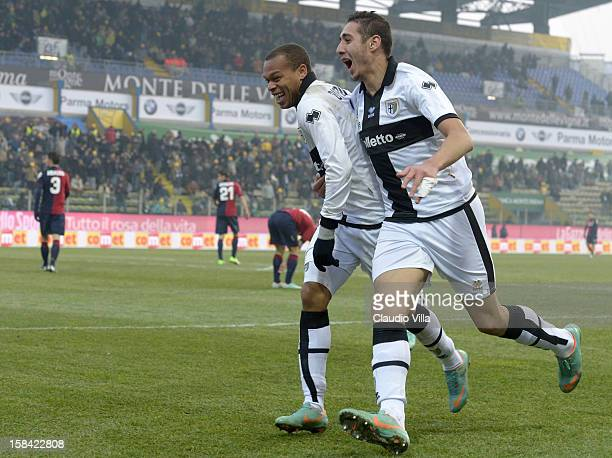 Jonathan Biabiany of FC Parma celebrates with teammate Ishak Belfodil after scoring the second goal during the Serie A match between Parma FC and...
