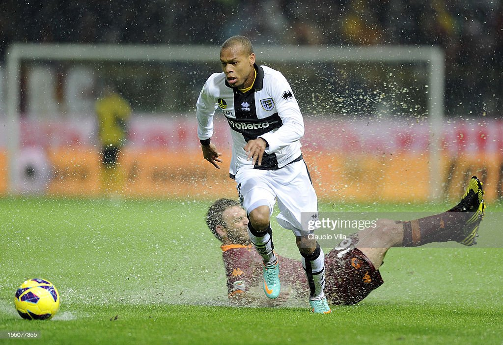 Jonathan Biabiany of Parma FC in action during the Serie A match between Parma FC and AS Roma at Stadio Ennio Tardini on October 31, 2012 in Parma, Italy.