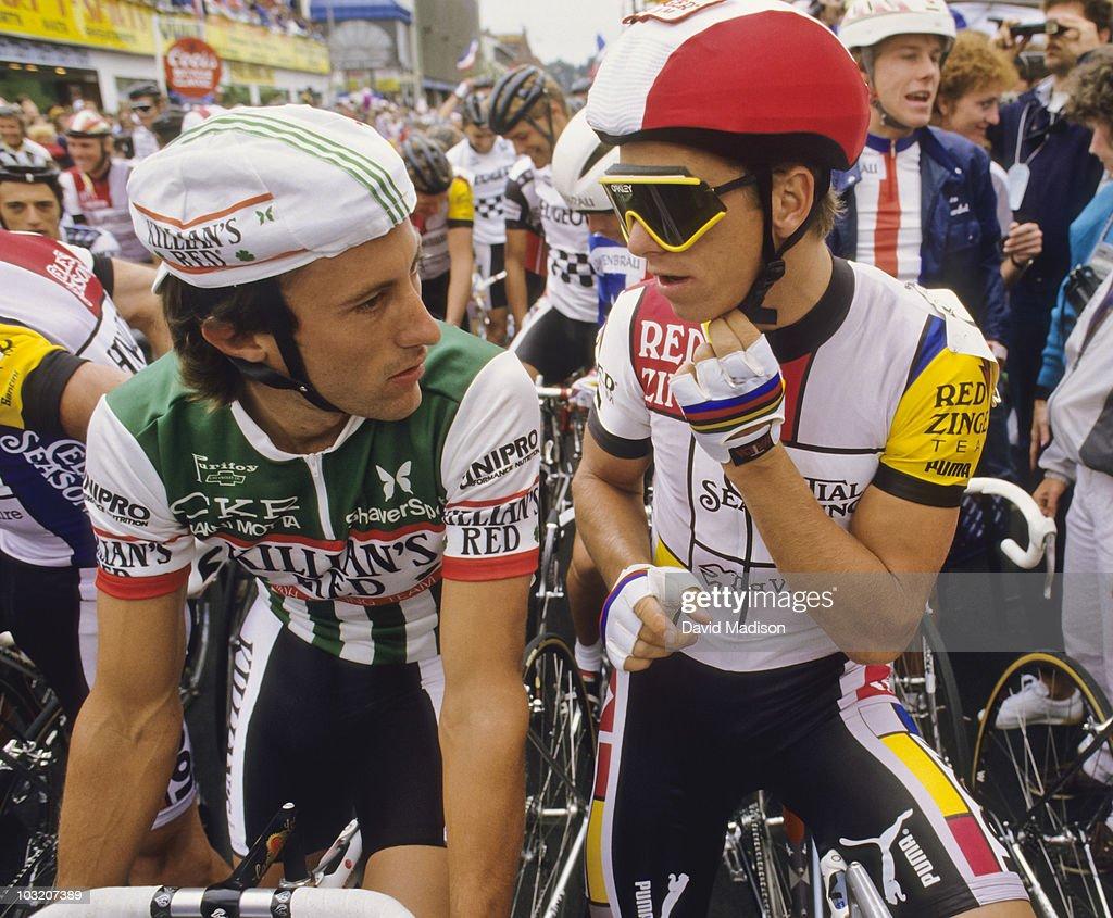 Jonathan Boyer and Greg Lemond At Starting Line : News Photo