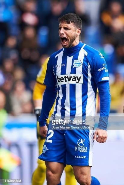 Jonathan Calleri of Deportivo Alaves celebrates after scoring goal during the La Liga match between Deportivo Alaves and CD Leganes at Estadio de...