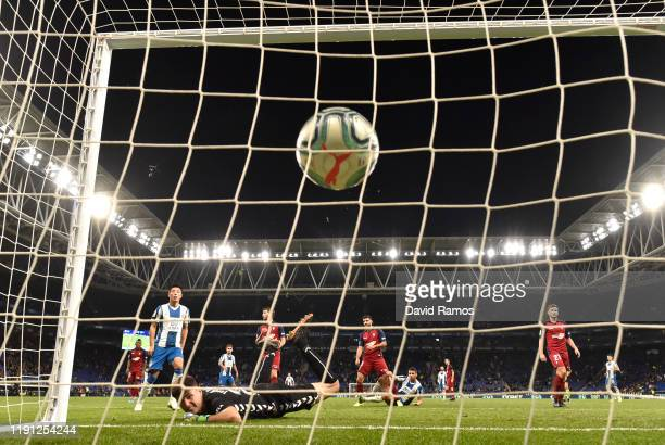 Jonathan Calleri of Espanyol scores his sides second goal during the La Liga match between RCD Espanyol and CA Osasuna at RCDE Stadium on December 01...
