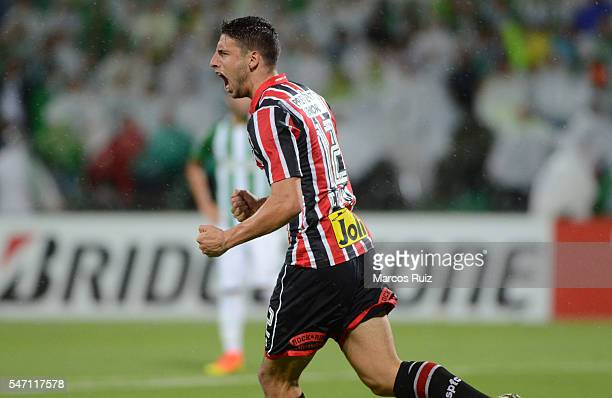 Jonathan Calleri of Sao Paulo celebrates after scoring the opening goal during a second leg semi final match between Atletico Nacional and Sao Paulo...