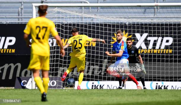 Jonathan Clauss of Bielefeld scores his teams first goal during the Second Bundesliga match between Holstein Kiel and DSC Arminia Bielefeld at...