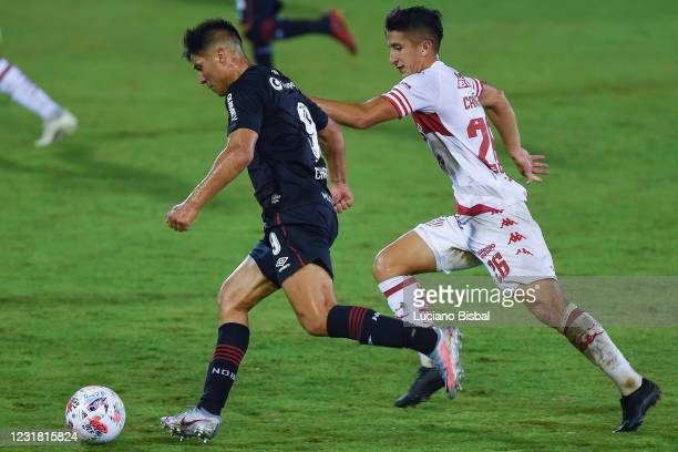 Jonathan Cristaldo of Newells Old Boys runs with the ball during a match between Newell's Old Boys and Unión as part of Copa de la Liga Profesional...