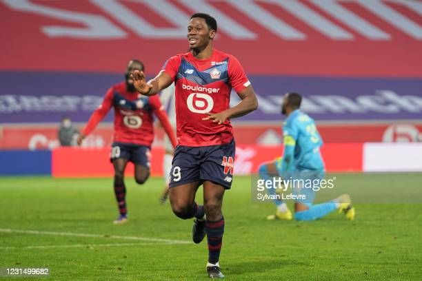 Jonathan David of Lille OSC celebrates after scoring his team's second goal during the Ligue 1 match between Lille OSC and Olympique Marseille at...