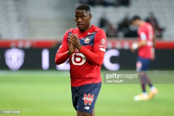 Jonathan David of Lille thanks the supporters when he's replaced during the Ligue 1 match between Lille OSC and FC Nantes at Stade Pierre Mauroy on...