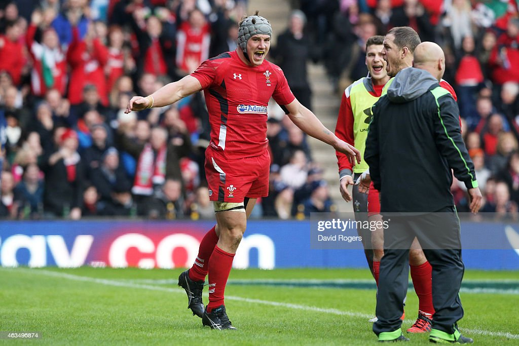 Jonathan Davies of Wales celebrates after scoring his team's second try during the RBS Six Nations match between Scotland and Wales at Murrayfield Stadium on February 15, 2015 in Edinburgh, Scotland.