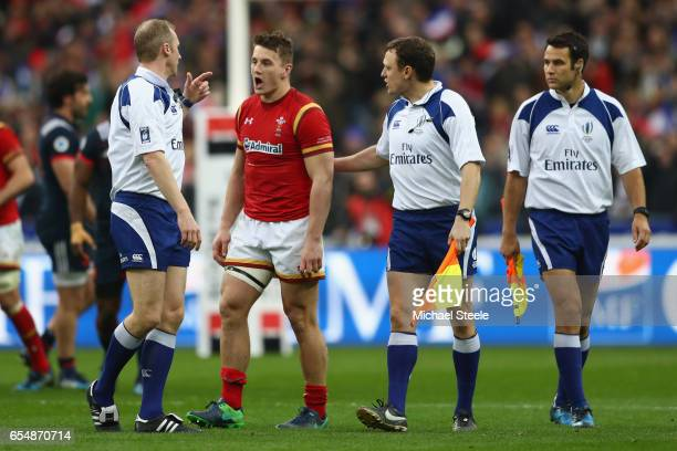 Jonathan Davies of Wales expresses his opinion to referee Wayne Barnes at the final whistle after his sides's 1820 defeat to a last minute try during...