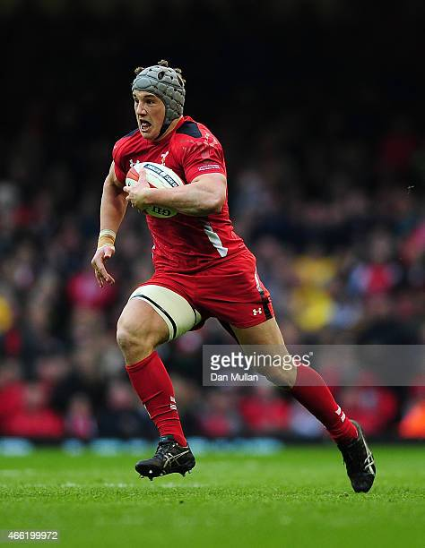 Jonathan Davies of Wales makes a break during the RBS Six Nations match between Wales and Ireland at Millennium Stadium on March 14 2015 in Cardiff...
