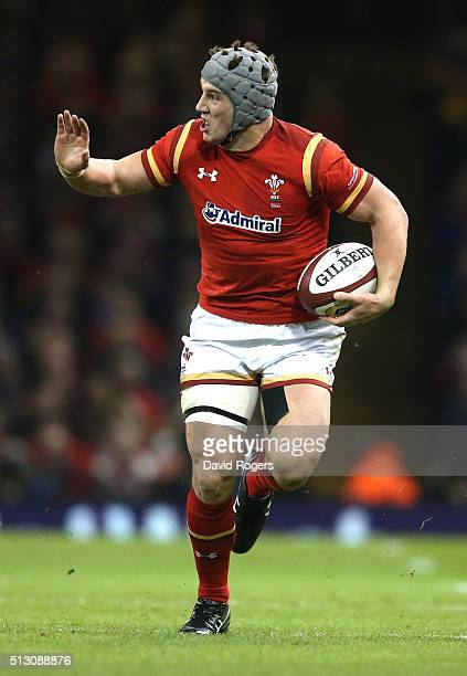 Jonathan Davies of Wales runs with the ball during the RBS Six Nations match between Wales and France at the Principality Stadium on February 26 2016...