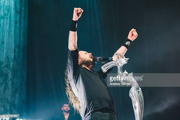 Jonathan Davis of Korn performs at Manchester Arena on December 12, 2016 in Manchester, England.