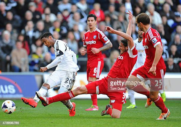Jonathan de Guzman of Swansea City attempts to score during the Barclays Premier League match between Swansea City and West Bromwich Albion at...