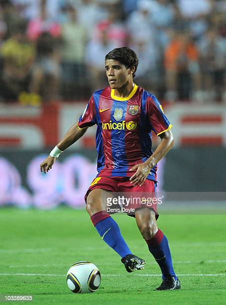 Jonathan Dos Santos of Barcelona in action during the Supercopa, first leg, match between Sevilla and Barcelona at the Sanchez Pizjuan stadium on...