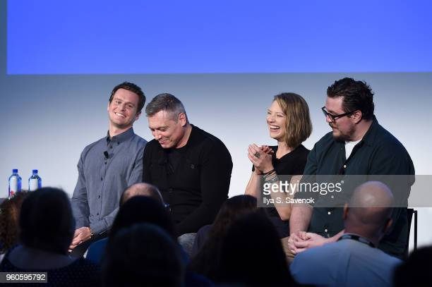 Jonathan Groff Holt McCallany Anna Torv and Cameron Britton of Mindhunter speak onstage during Get Your Mind Blown With the Cast of Mindhunter on Day...