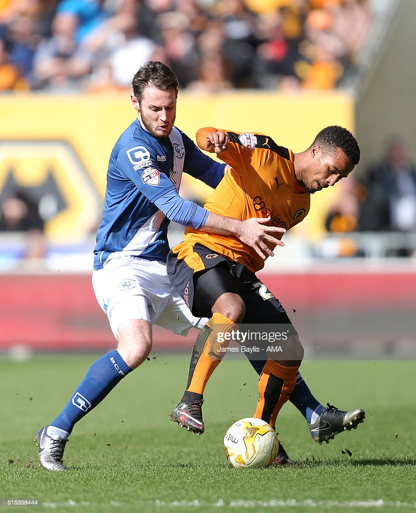 Jonathan Grounds of Birmingham City and Nathan Byrne of Wolverhampton Wanderers during the Sky Bet Championship match between Wolverhampton Wanderers and Birmingham City on March 13, 2016 in Wolverhampton, United Kingdom.