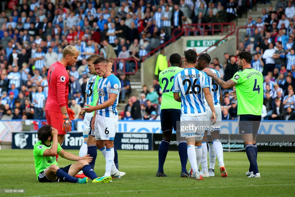 Huddersfield Town v Cardiff City - Premier League : News Photo