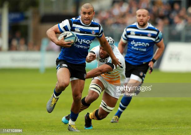Jonathan `Joseph of Bath breaks clear to score the first try during the Gallagher Premiership Rugby match between Bath Rugby and Wasps at Recreation...