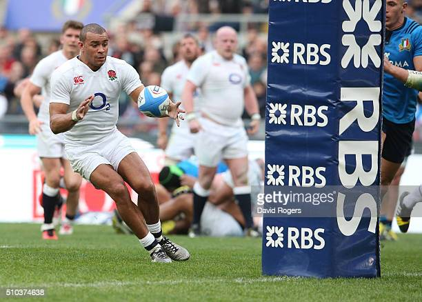 Jonathan Joseph of England scores his second try during the RBS Six Natiions match between Italy and England at the Stadio Olimpico on February 14...
