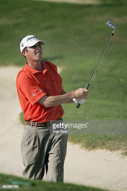 Jonathan Kaye chip up during the first round January 6 of the 2005 Mercedes Championship held at the Plantation course at Kapalua Maui Hi