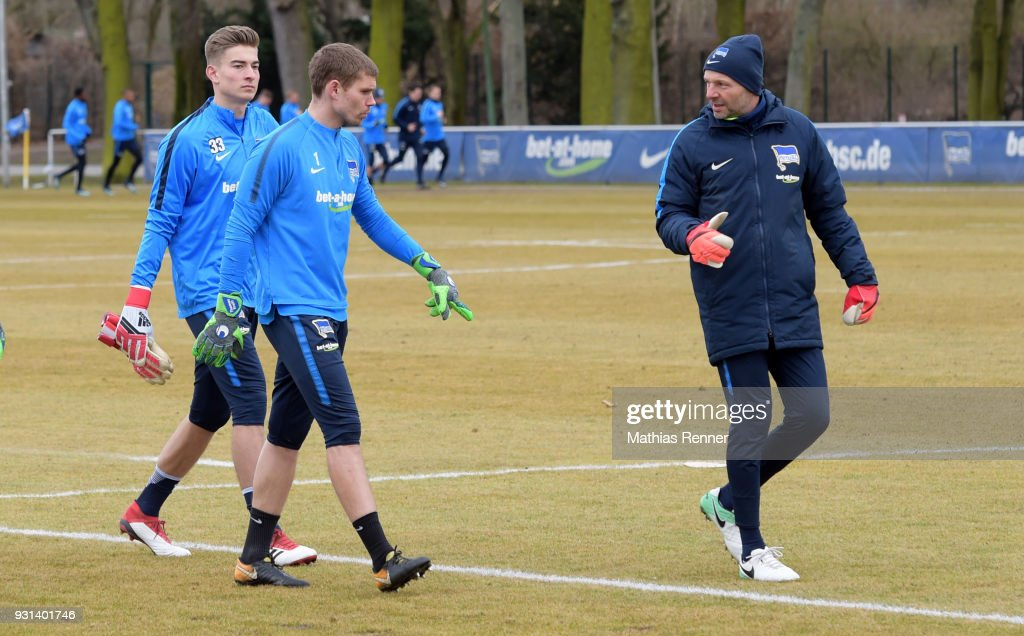 Jonathan Klinsmann, Thomas Kraft and goalkeepertrainer Zsolt Petry of Hertha BSC during the training session at the Schenkendorfplatz on march 13, 2018 in Berlin, Germany.