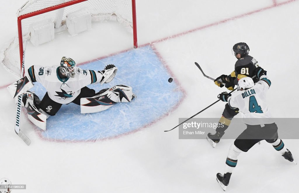 San Jose Sharks v Vegas Golden Knights - Game Four : News Photo