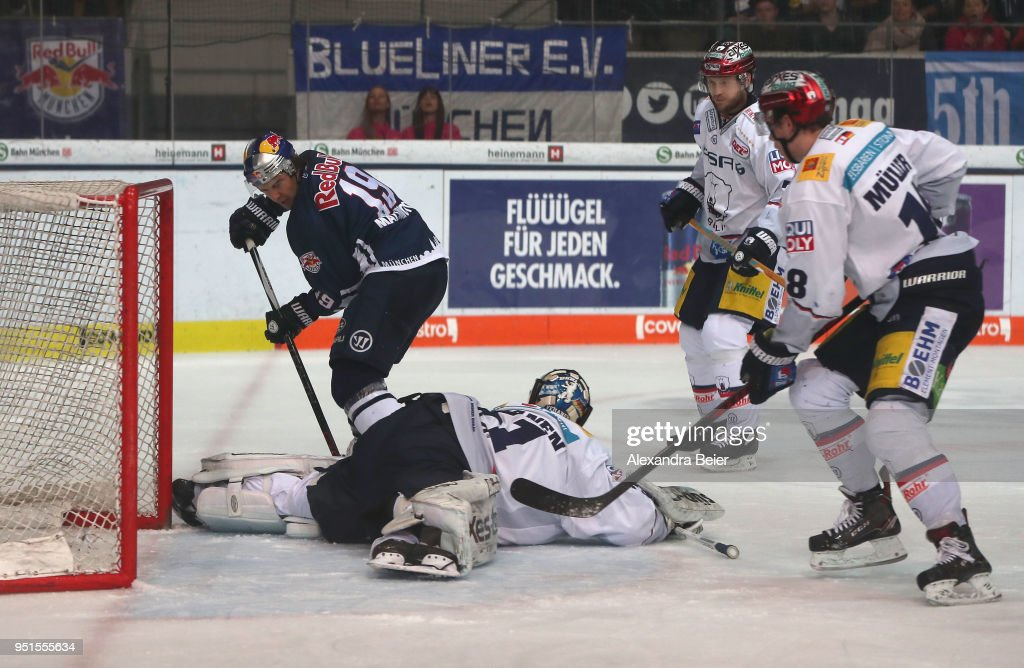EHC Red Bull Muenchen v Eisbaeren Berlin - DEL Playoff Final Game 7