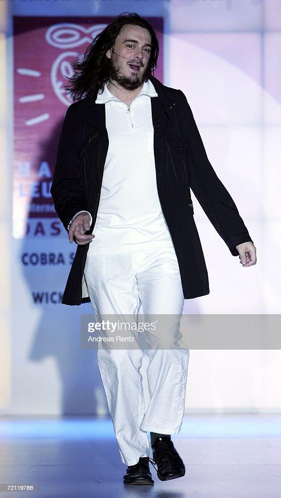 Event Prominent Fashion Gala : Nachrichtenfoto