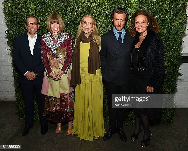 Jonathan Newhouse Anna Wintour EditorinChief of Vogue Italia Franca Sozzani Francesco Carrozzini and Diane von Furstenberg attend the 'Franca Chaos...