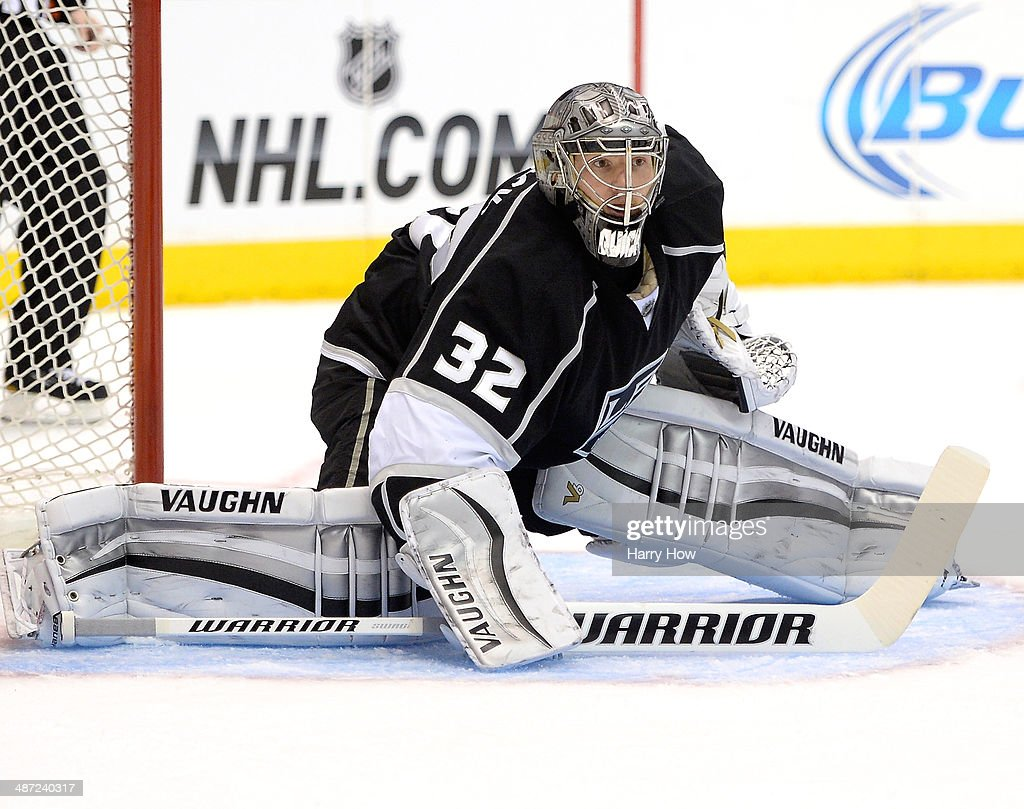 San Jose Sharks v Los Angeles Kings - Game Six : News Photo