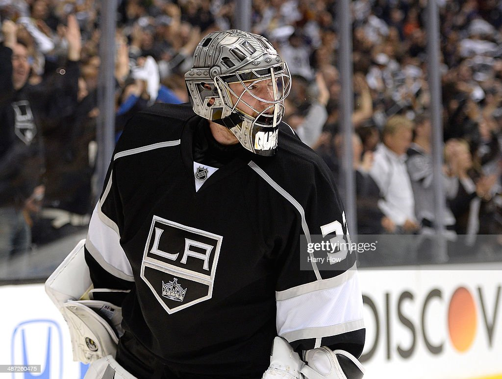 San Jose Sharks v Los Angeles Kings - Game Six : News Photo