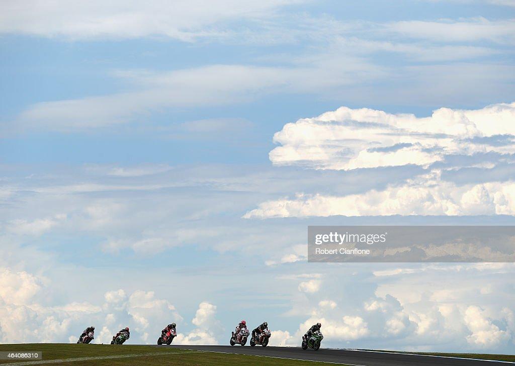 Jonathan Rea of Great Britain riding the #65 Kawasaki Racing Team Kawasaki ZX-10R leads during race two of the World Superbikes World Championship Australian Round at Phillip Island Grand Prix Circuit on February 22, 2015 in Phillip Island, Australia.