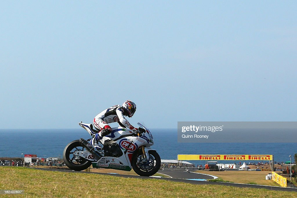 Jonathan Rea of Great Britain riding the #65 Pata Honda World Superbike Team during qualifying for the World Superbikes at Phillip Island Grand Prix Circuit on February 23, 2013 in Phillip Island, Australia.