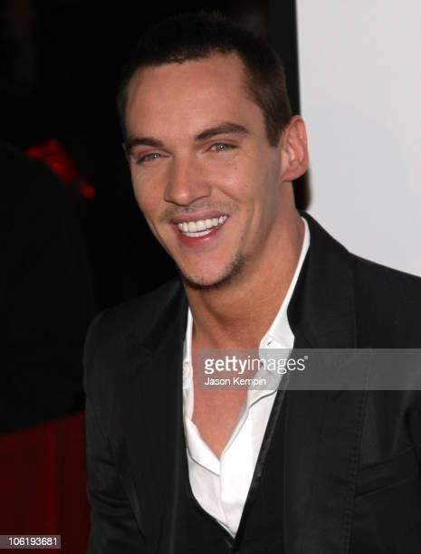Jonathan Rhys Meyers arrives at the premiere of 'August Rush' at the Ziegfeld Theater on November 11 2007 in New York City