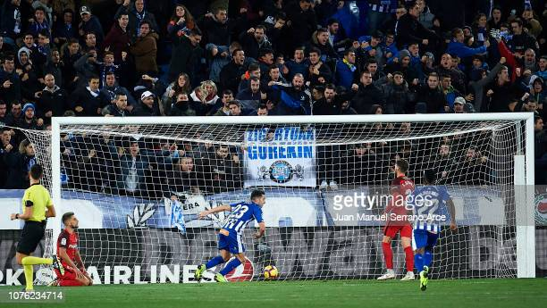 Jonathan Rodriguez of Deportivo Alaves celebrates after scoring goal during the La Liga match between Deportivo Alaves and Sevilla FC at Estadio de...