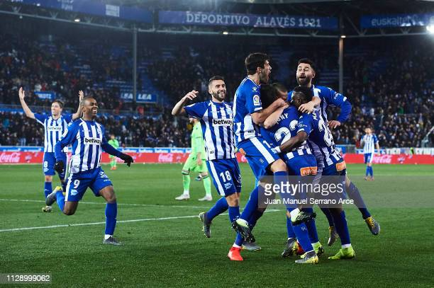 Jonathan Rodriguez of Deportivo Alaves celebrates after scoring during the La Liga match between Deportivo Alaves and Levante UD at Estadio de...