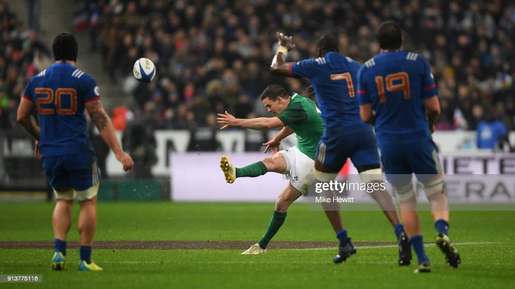 Jonathan Sexton of Ireland drops a long range goal to win the match for Ireland in the NatWest Six Nations match between France and Ireland at Stade de France on February 3, 2018 in Paris, France.