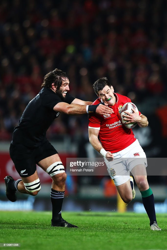 Jonathan Sexton of the Lions makes a break during the Test match between the New Zealand All Blacks and the British & Irish Lions at Eden Park on July 8, 2017 in Auckland, New Zealand.