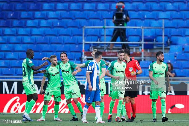 Jonathan Silva of CD Leganes celebrates the 0-1 with his teammates during the Liga match between RCD Espanyol and CD Leganes at RCDE Stadium on July...