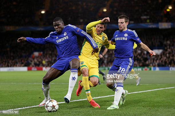 Jonathan Silva of Sporting Lisbon is closed down by Kurt Zouma of Chelsea and Cesar Azpilicueta of Chelsea during the UEFA Champions League group G...