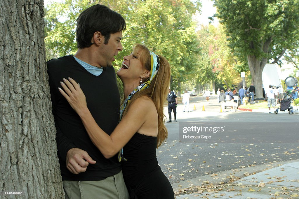 https://media.gettyimages.com/photos/jonathan-silverman-and-jane-seymour-during-on-the-set-of-in-case-of-picture-id114549962