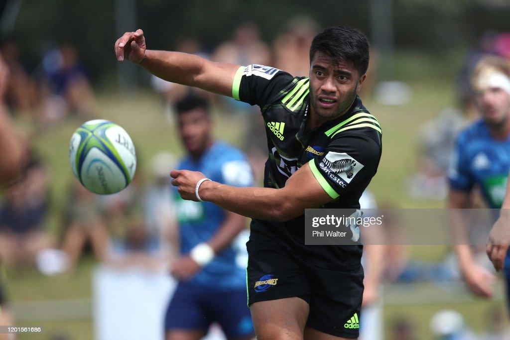 Super Rugby Pre-Season -  Blues v Hurricanes : News Photo