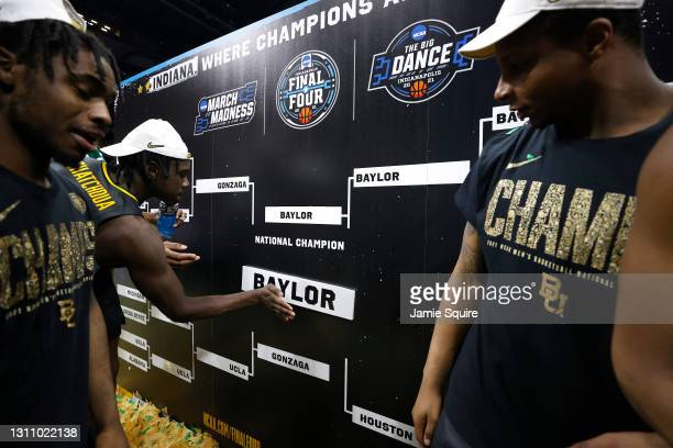 Jonathan Tchamwa Tchatchoua of the Baylor Bears completes the bracket after defeating the Gonzaga Bulldogs 86-70 in the National Championship game of...