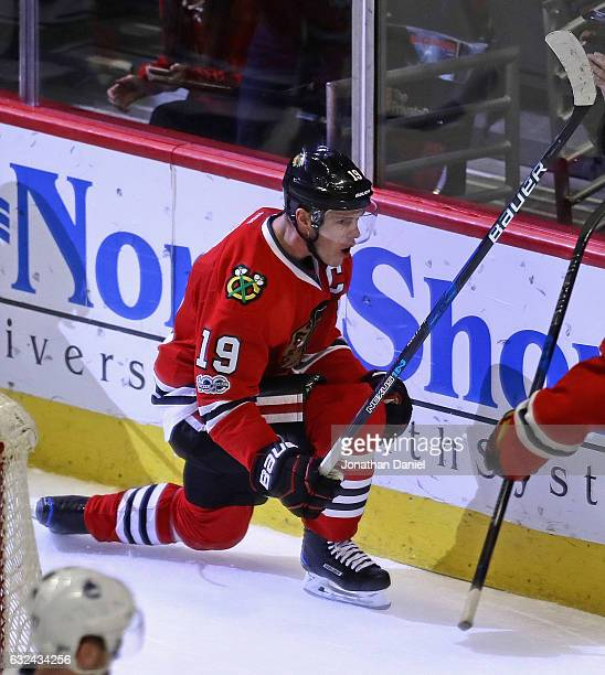 Jonathan Toews of the Chicago Blackhawks celebrtaes a third period goal against the Vancouver Canucks at the United Center on January 22 2017 in...