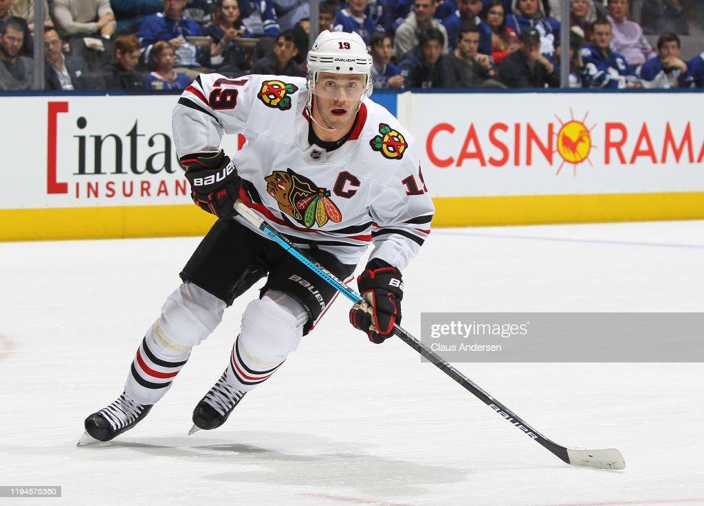 Chicago Blackhawks v Toronto Maple Leafs : News Photo