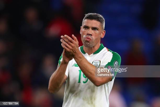 Jonathan Walters of Republic of Ireland applauds fans after the UEFA Nations League B group four match between Wales and Republic of Ireland at...