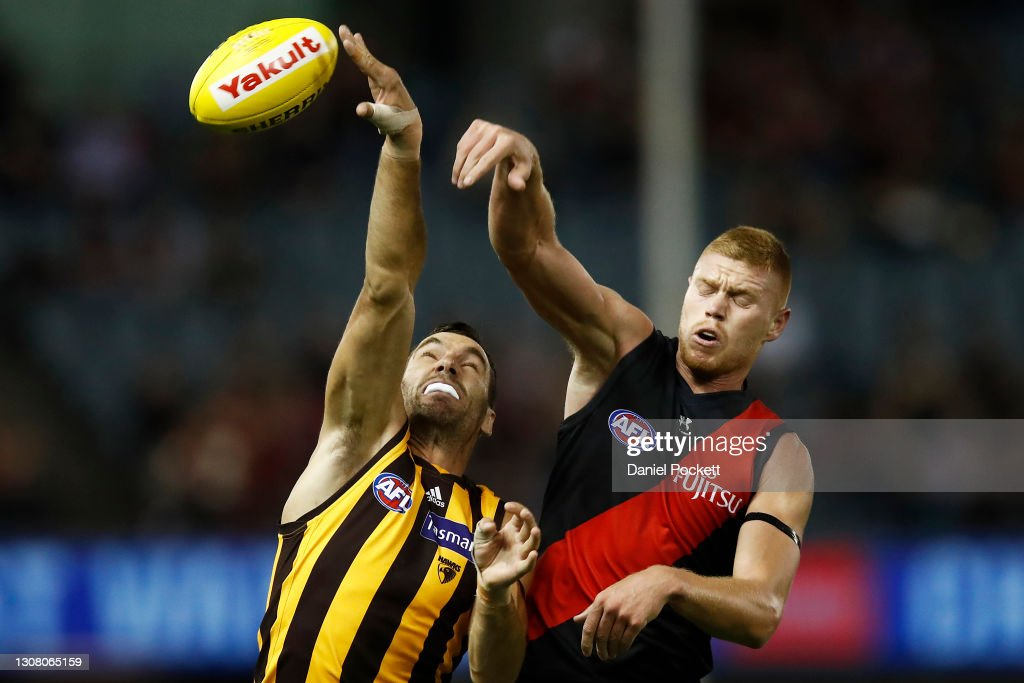 AFL Rd 1 - Essendon v Hawthorn : News Photo