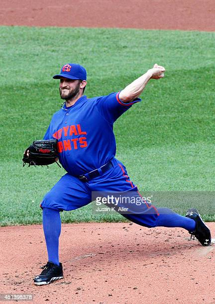 Jonathon Niese of the New York Mets pitches in the first inning against the Pittsburgh Pirates during the game at PNC Park on June 28 2014 in...