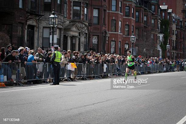 CONTENT] Jonathon Thomas in the final mile of the Boston Marathon coming down Commonwealth Ave