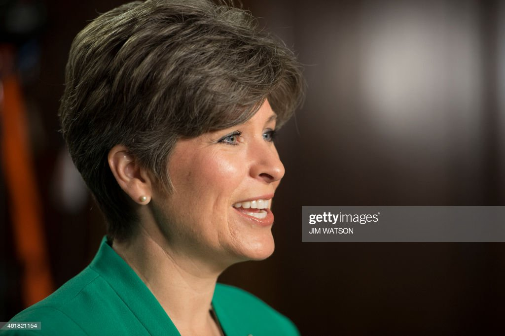 Joni Ernst, a newly elected senator from Iowa, rehearses the Republican party's response to US President Barack Obama's State of the Union address on Capitol Hill in Washington, DC, January 20, 2015. AFP PHOTO/JIM WATSONw